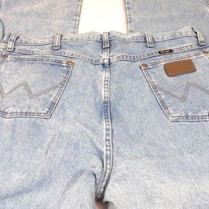 Wrangler Retro Light Wash Straight Slim Blue Jeans